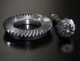 Crown-and-wheel-pinion-01